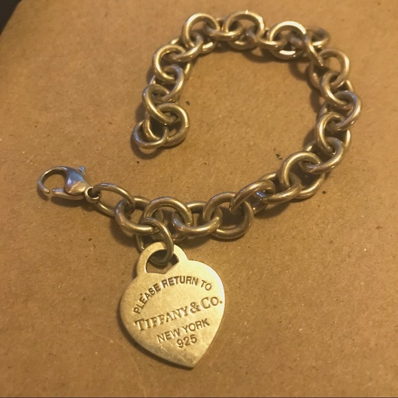 7d16251b9fb Tiffany   Co Heart Tag Charm Bracelet. M 5b206f080cb5aa8a43ca3f80